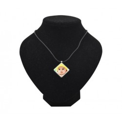 Collana Con Ciondolo a Forma di Diamante
